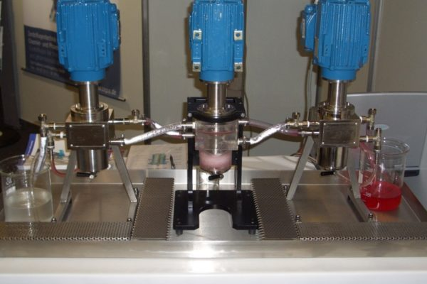 CS 50 with Plexiglas housing in a three stage counter current extraction (0 – 60 l/h).